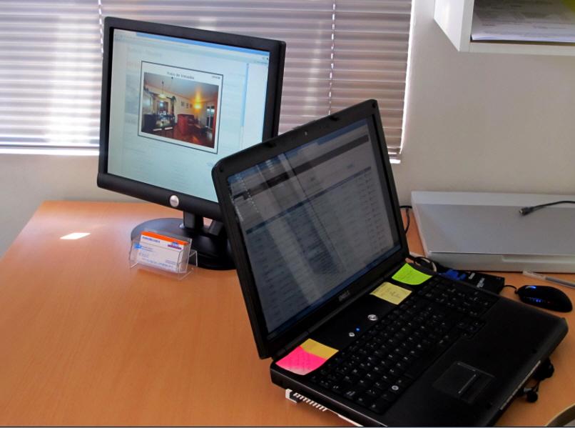 2 monitores en ru oficina